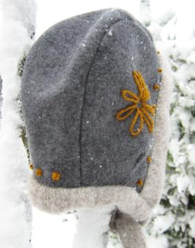 Woollen bonnet baby
