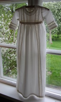 Dopklänning Mellanspets, batist