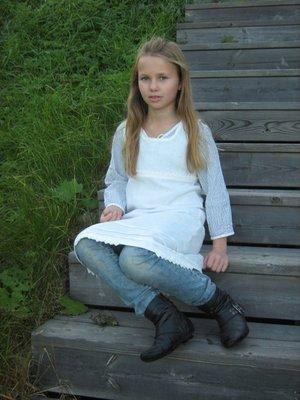 Tunika Barn, fattigspets Kronblad